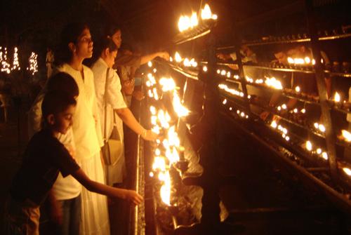 Full moon poya day - Kelani Temple