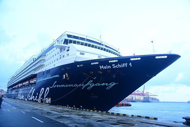 Ms MEIN SCHIFF 01 makes her debut arrival to Colombo Port on 13th November 2017