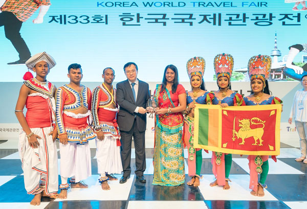 Sri Lanka Tourism bags the best performance award at KOFTA 2018